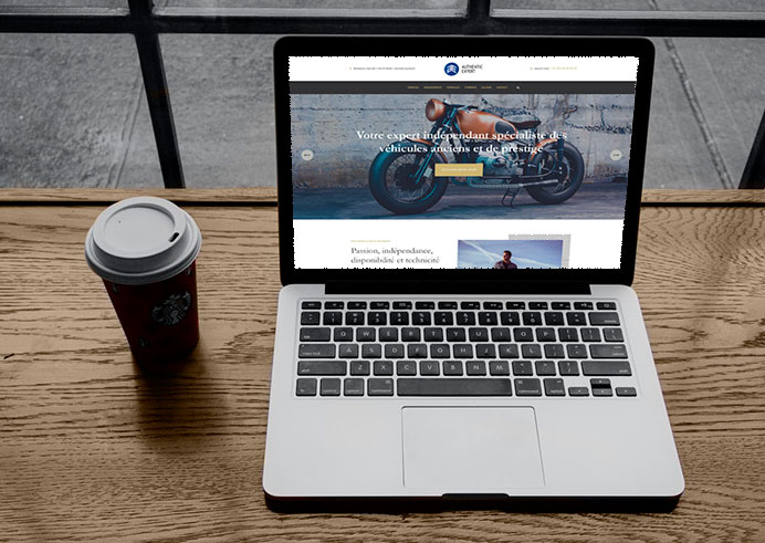 Aperçu du site Authentik Expert sur un mac book